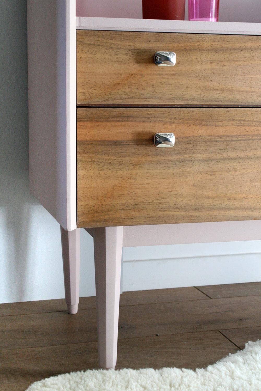 meuble coiffeuse vintage girly les jolis meubles. Black Bedroom Furniture Sets. Home Design Ideas