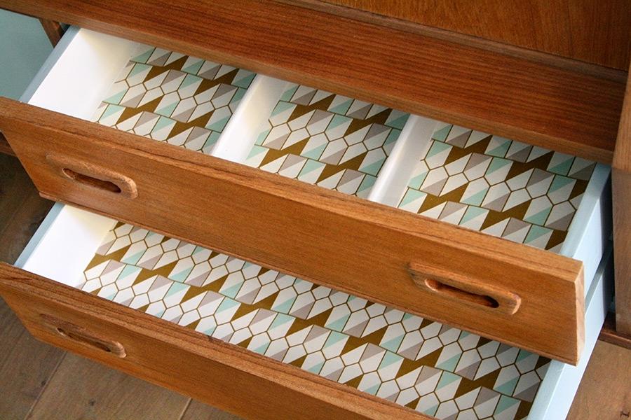 buffet vintage ernest les jolis meubles. Black Bedroom Furniture Sets. Home Design Ideas